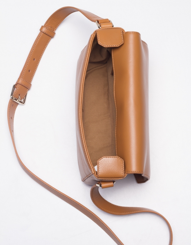 ALICIA CARAMELO:  Napa shoulder bag