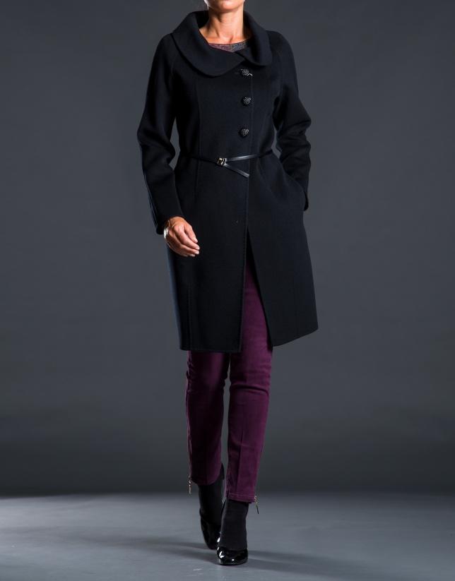 Abrigo negro doble faz