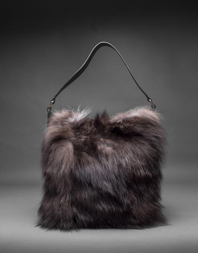 Hobo Erika Fox cuir nappa noir et fourrure renard aux tons ambrés