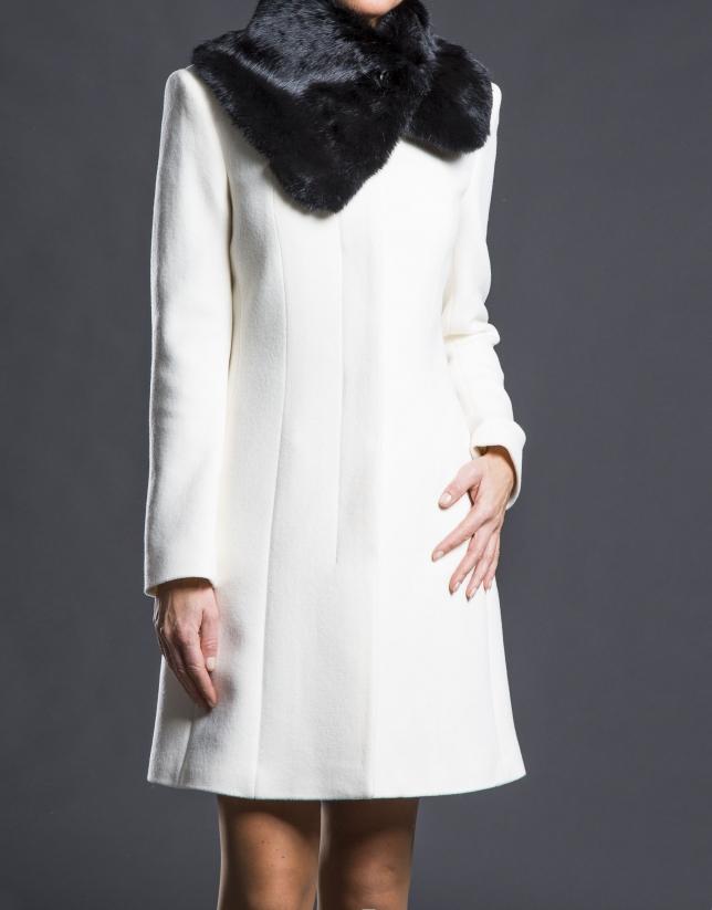 Manteau poil de lapin, couleur crème