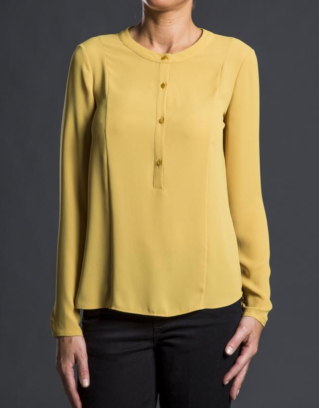 Mustard crew neck shirt
