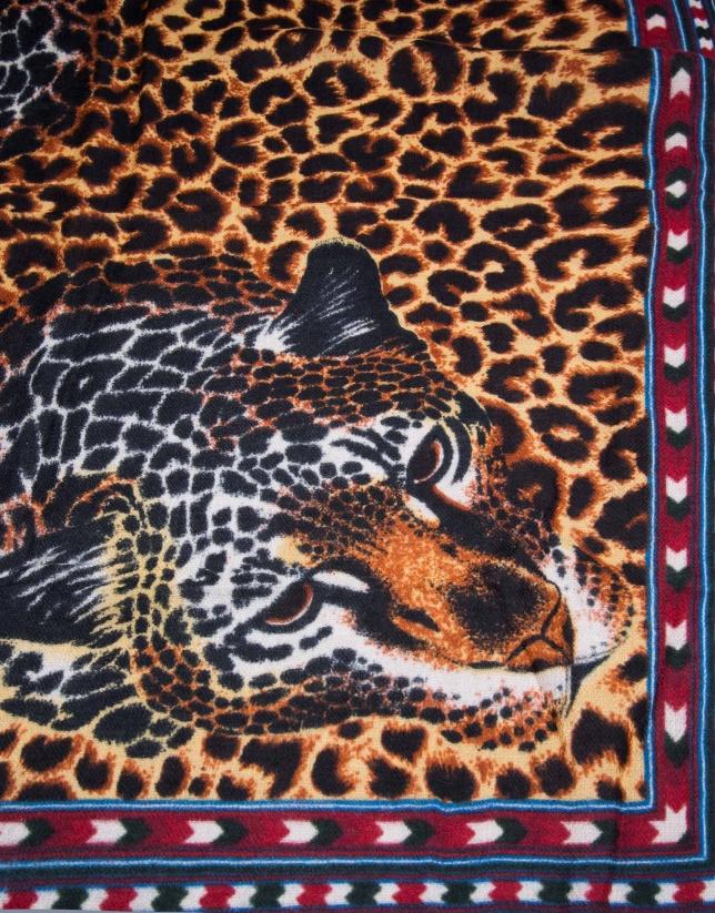 pañuelo estampado leopardo