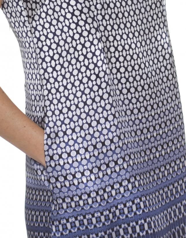 Robe à motifs bleus et blancs