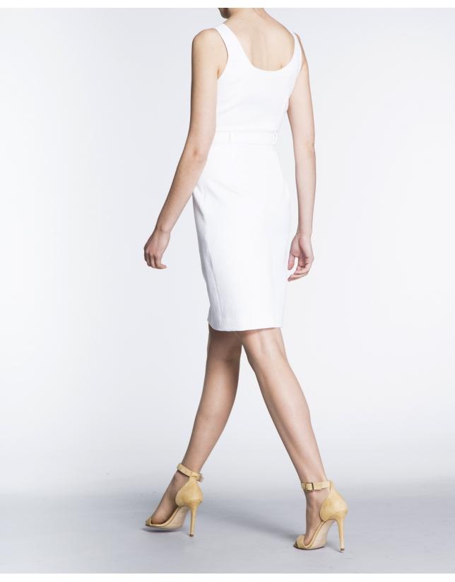 Vestido sisas de piqué blanco.