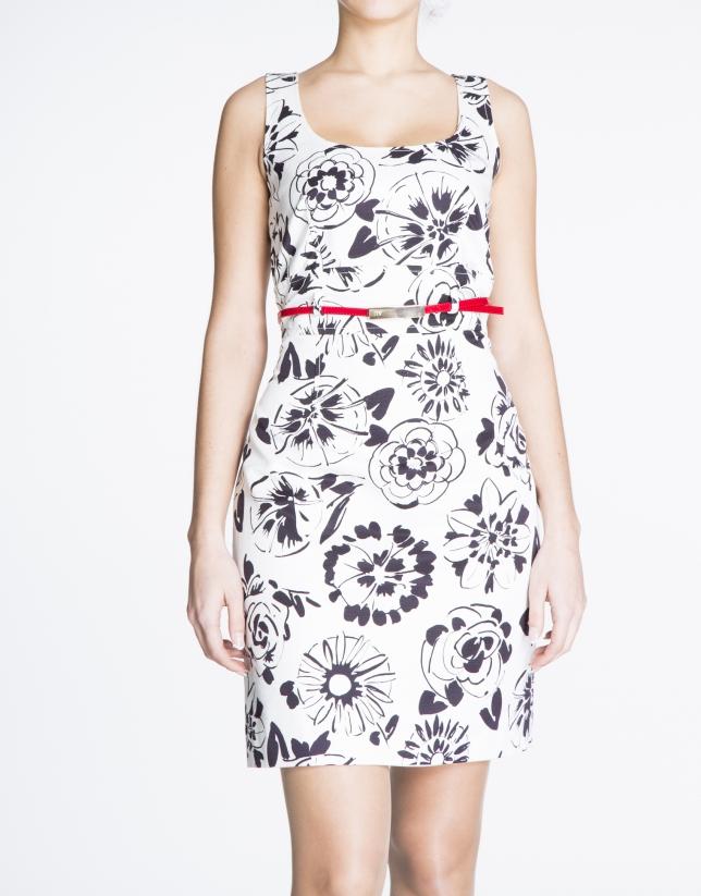 Vestido sisas estampado floral blanco y negro.