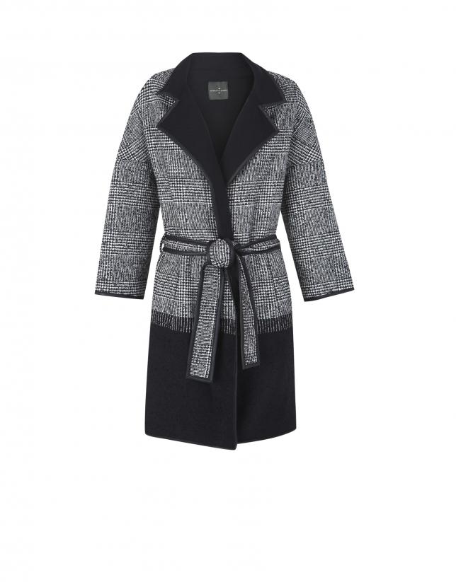 Abrigo cruzado tejido combinado negro y cuadro gales gris