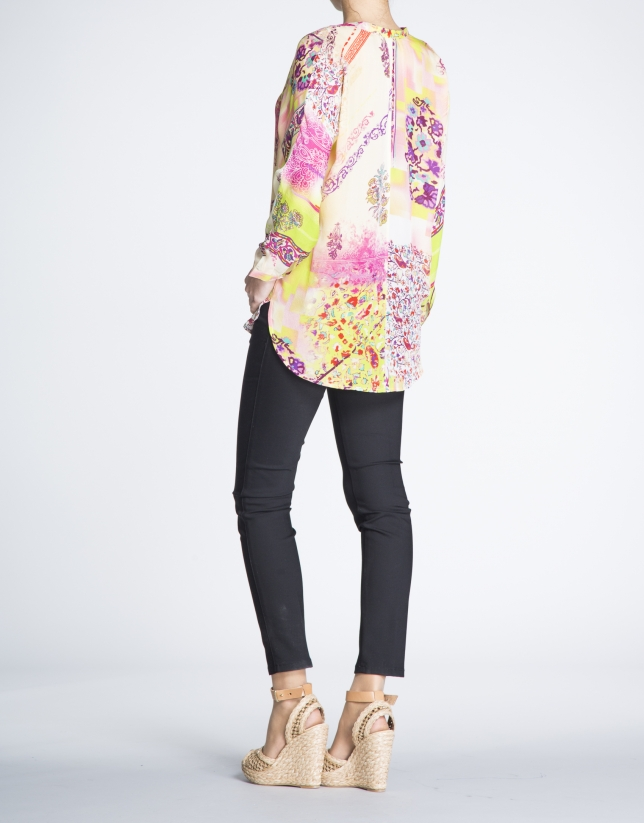 Floral print V-neck silk blouse