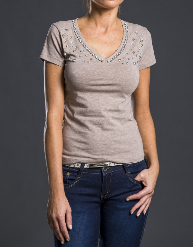 Tee-shirt col V pierreries beige