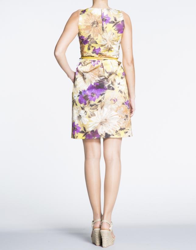 Robe plissée à bretelles, motif floral.