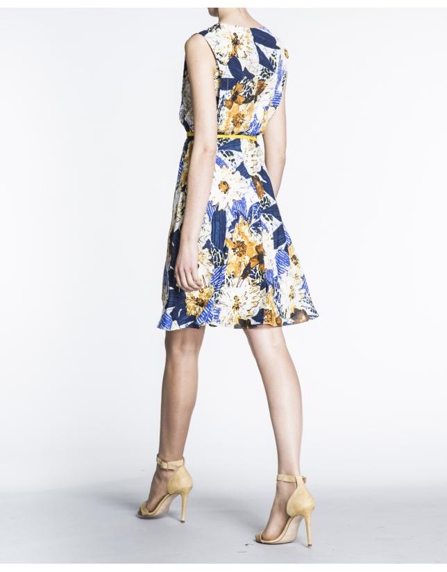 Vestido tablas en cuerpo  estampado floral.