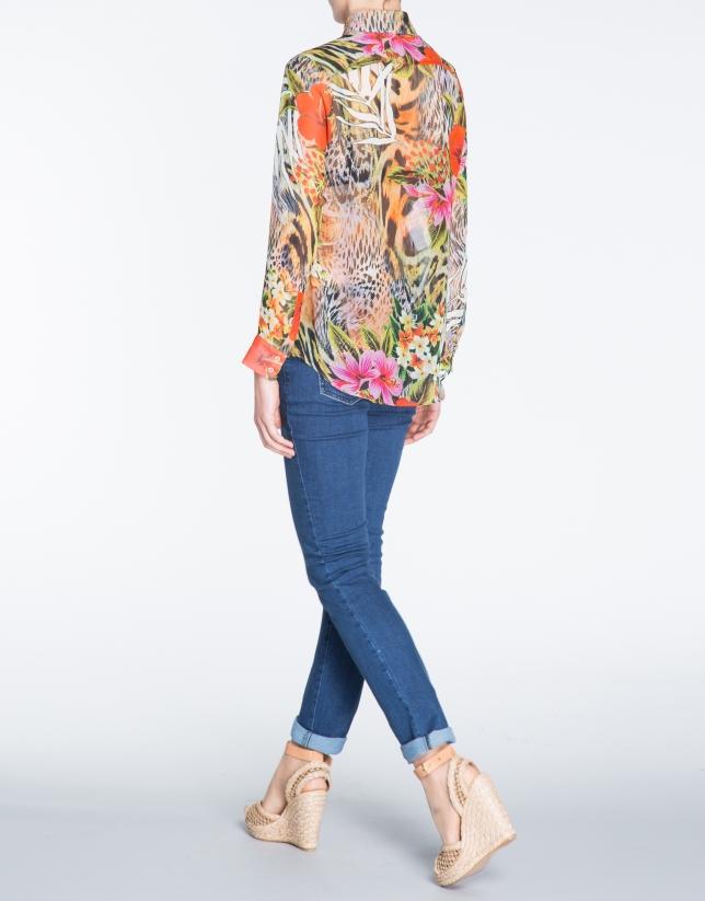Chemise à manches longues, motif floral.