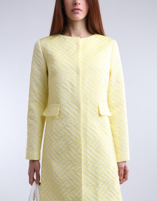 Abrigo corto amarillo