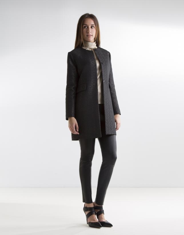 Manteau noir à jacquard