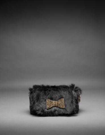 Bolso Poppy en pelo de conejo negro y lazo de cristales en oro viejo