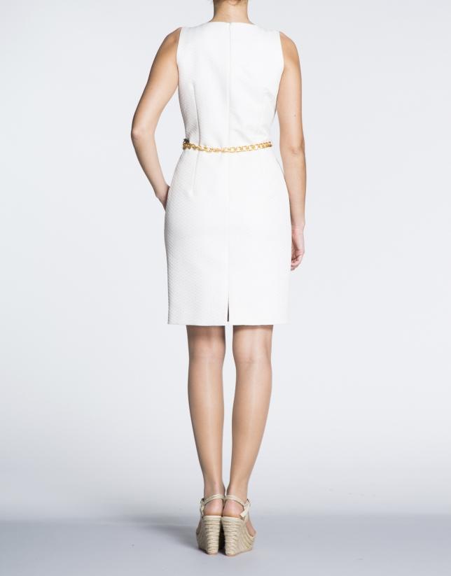 Vestido recto cloqué espiga blanco.