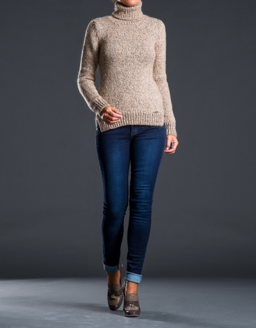 Heavy knit beige sweater