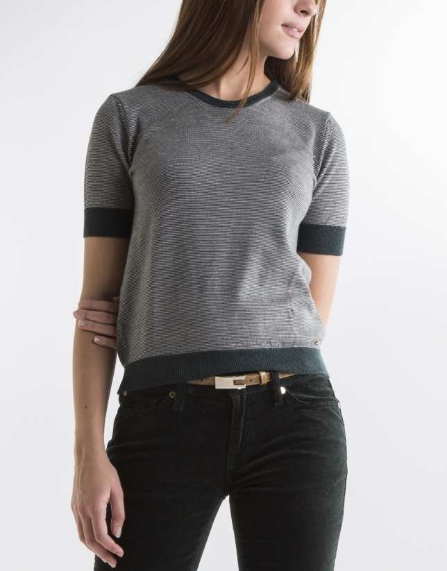 Green short sleeve sweater