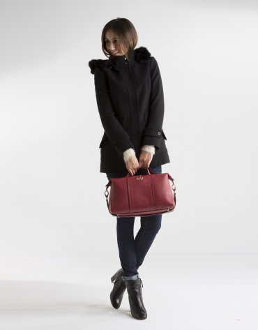 Manteau court noir à capuche