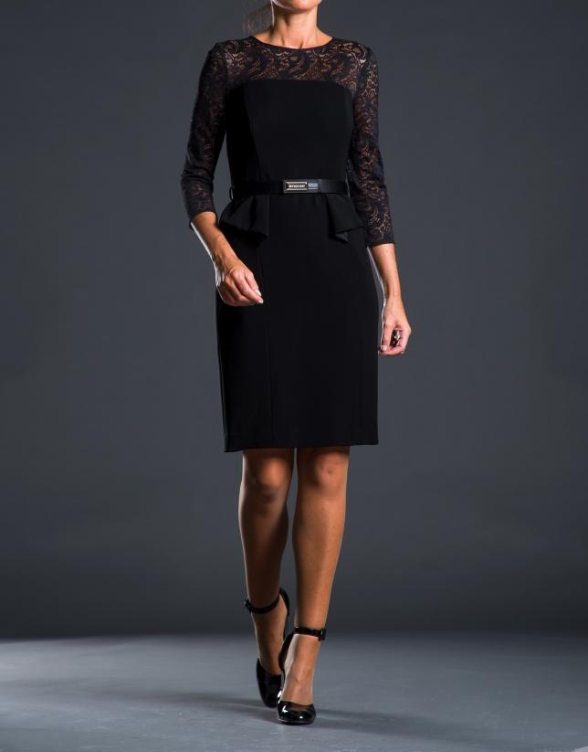 Vestido encaje negro pep-plumb