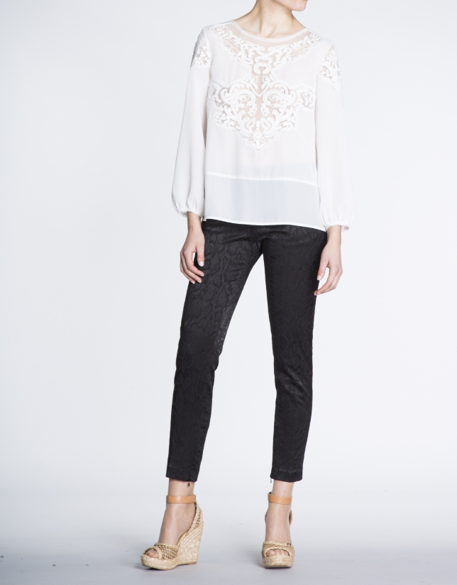 Ivory embroidered long bombacho sleeve blouse