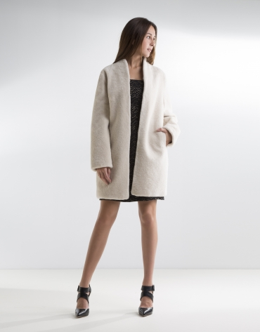Manteau en laine agneau beige