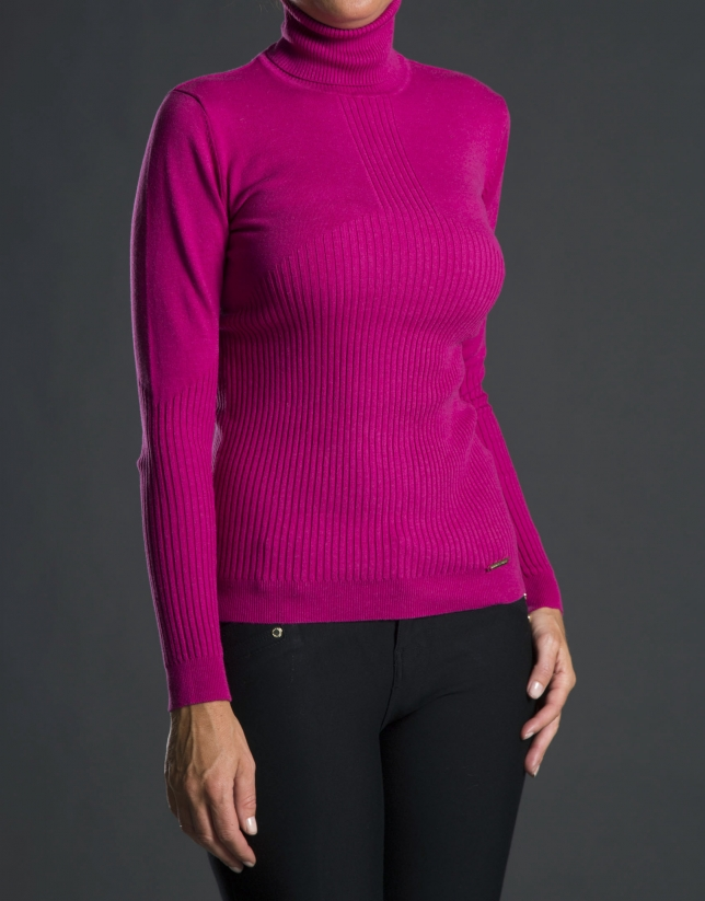 Fine knit fuchsia sweater