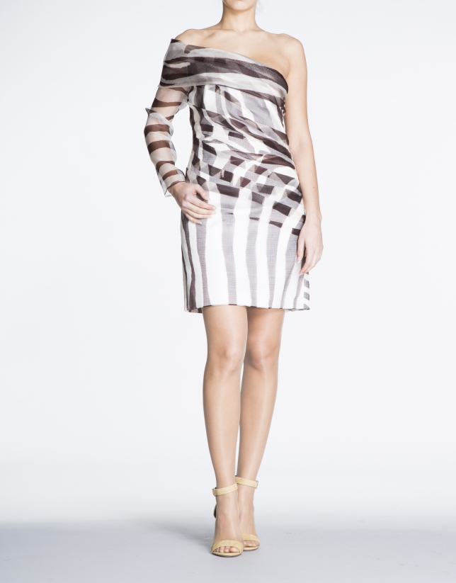 Asymmetric dress with one animal print sleeve