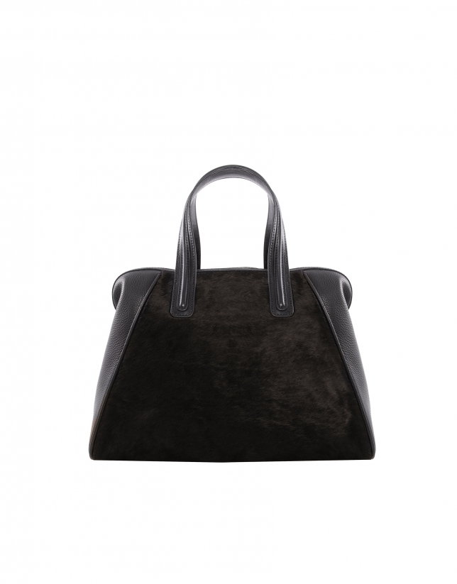 Mar black bag with brown fur