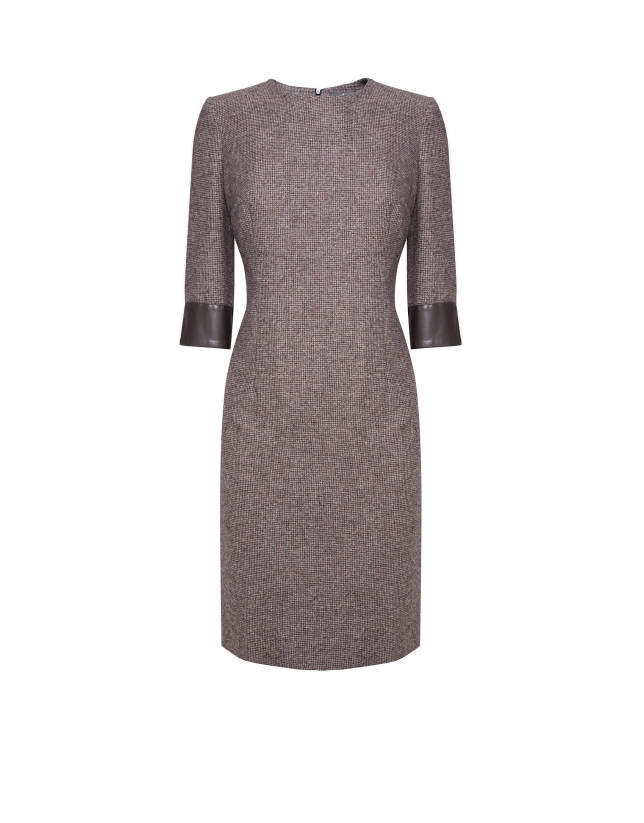 Brown cheviot dress with three quarter sleeves