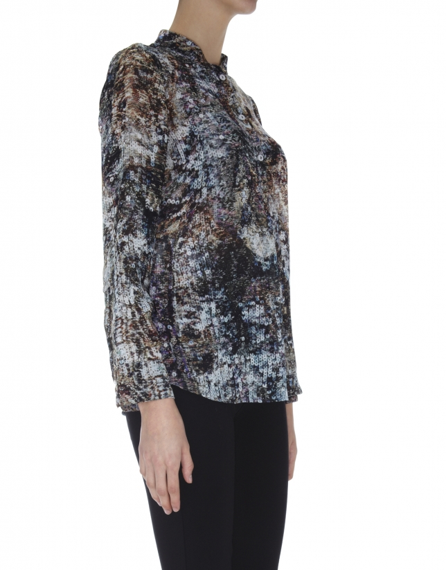 Sheer blouse with three buttons and sequin print