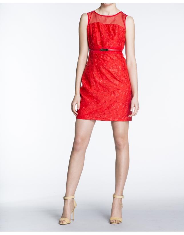 Robe droite à bretelles, brocart rouge géranium.