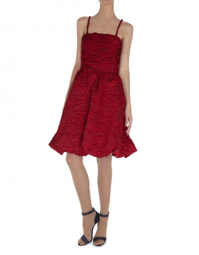 Robe à bretelles cloquée rouge