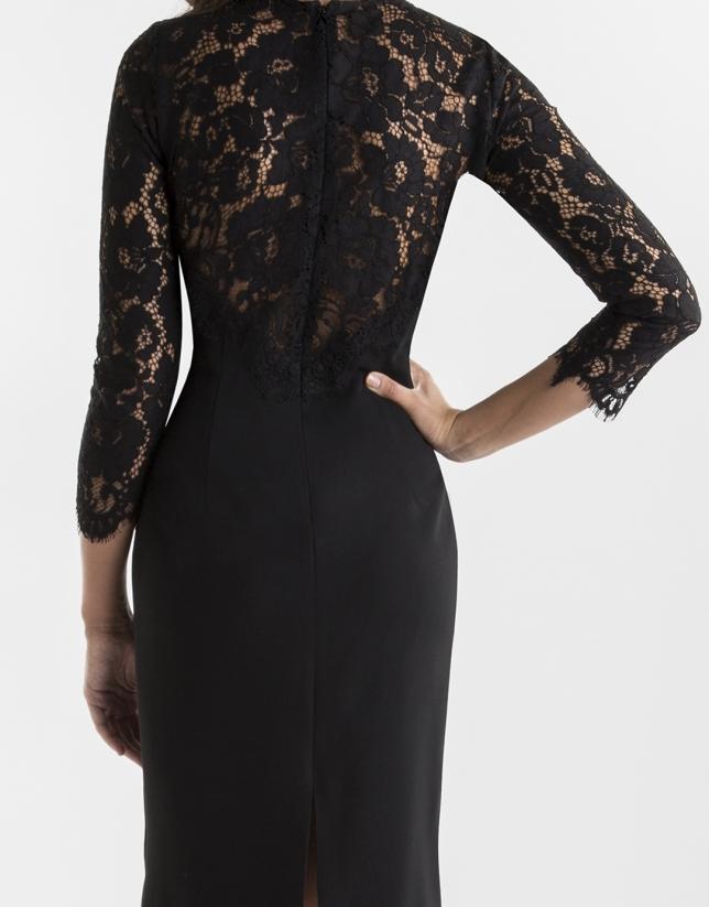 Robe noire avec dentelle