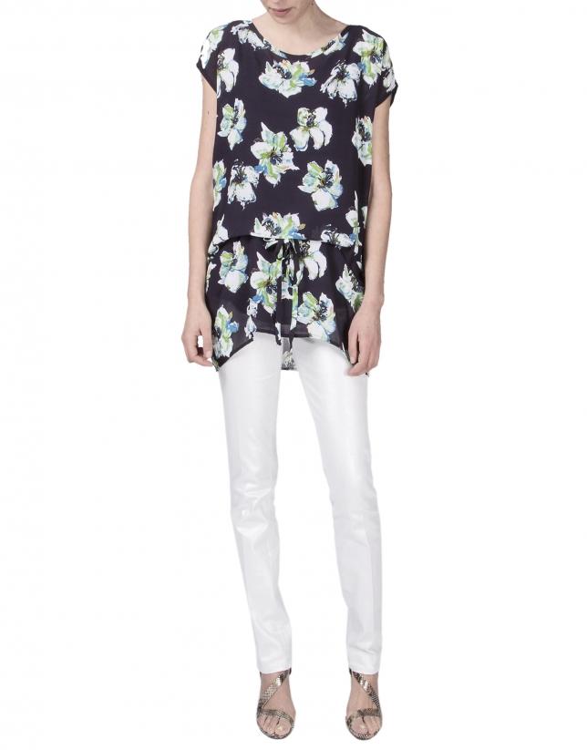 Loose floral print blouse