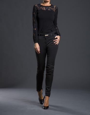 Pull crochet noir