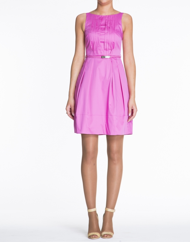 Vestido sisas de algodón rosa con jaretas.