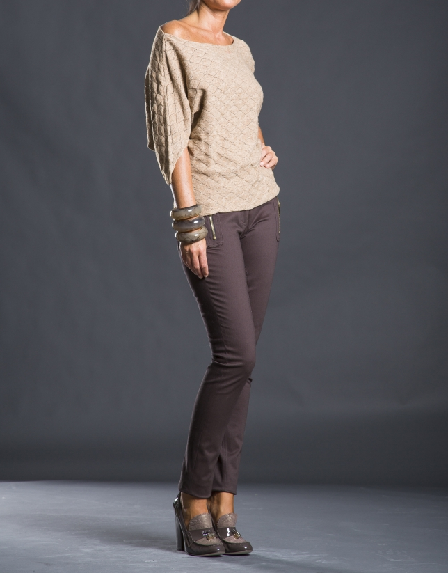 Beige bee hive sweater