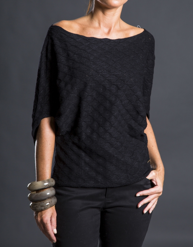 Black bee hive sweater
