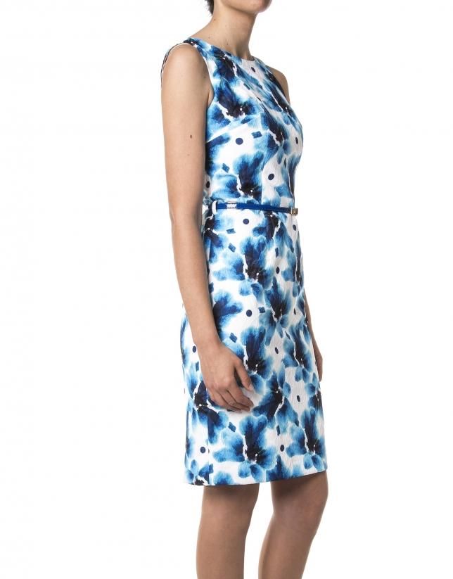 Robe à fleurs bleues
