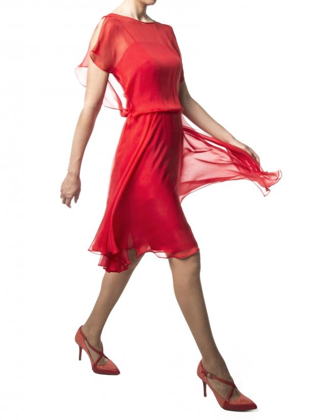 Robe en mousseline rouge