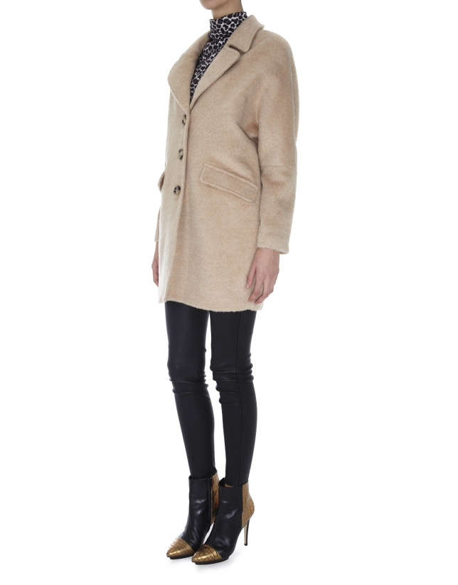 Beige coat with wool and alpaca lapels