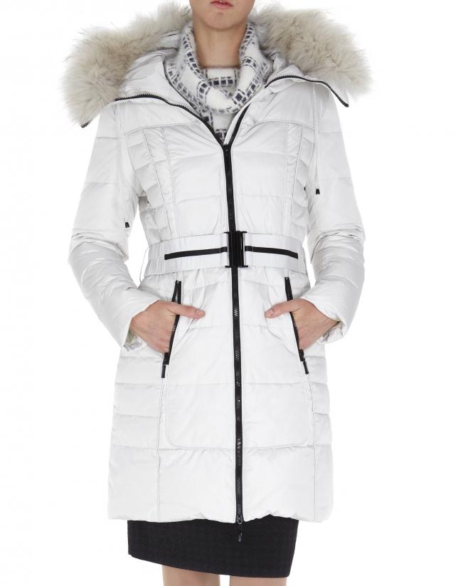 Long beige ski jacket with matching raccoon collar
