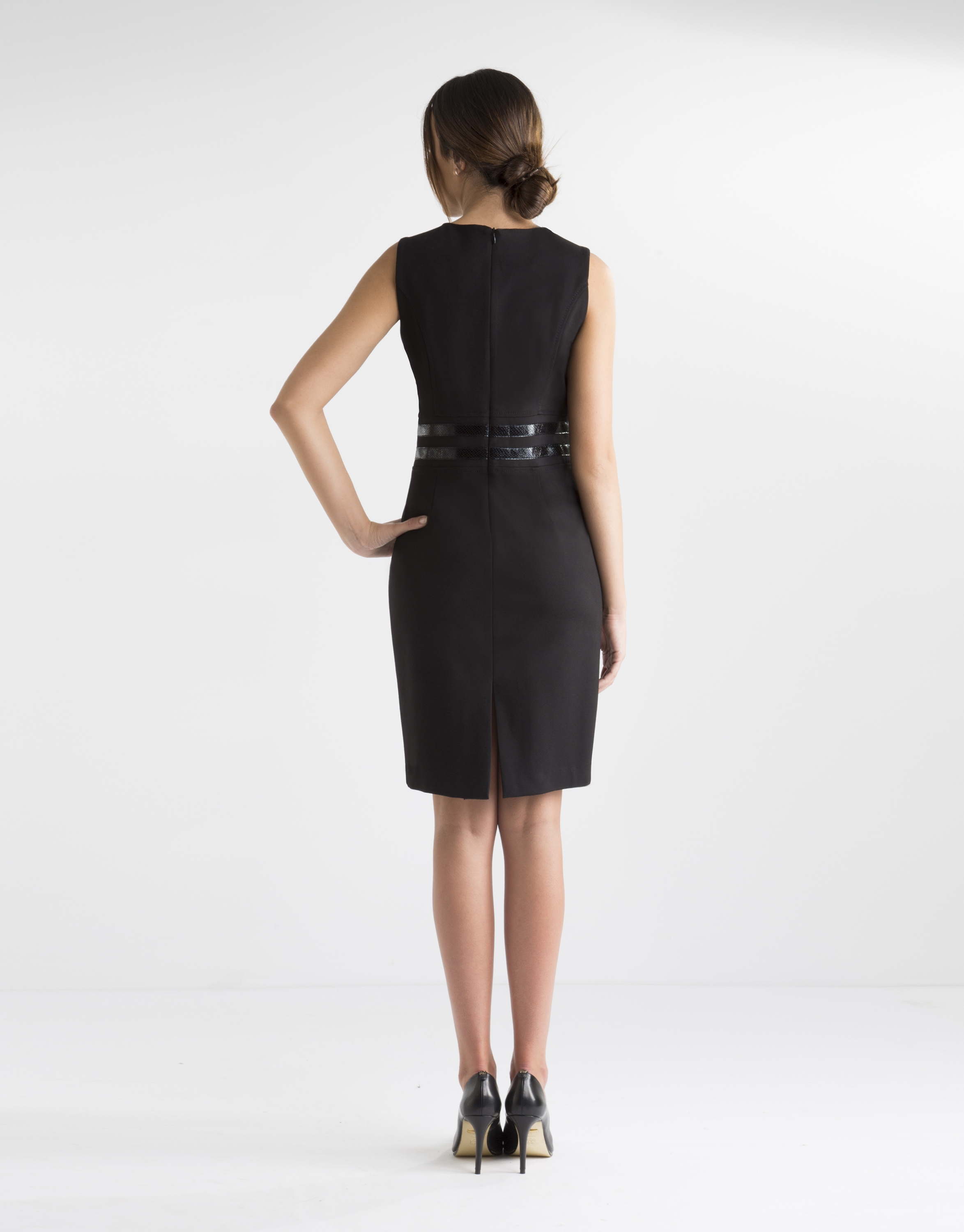 black dress with fitted waist belt roberto verino
