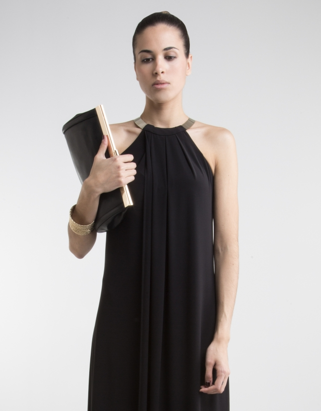 Robe noir décolleté halter