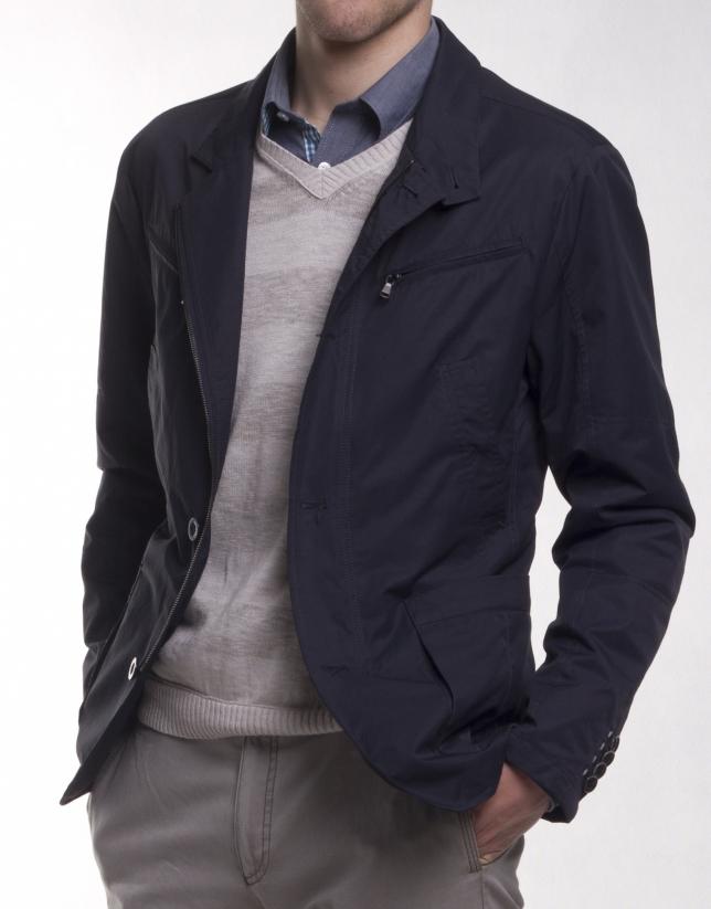 Sports jacket with many pockets