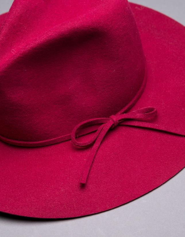 Sombrero en fieltro burdeos