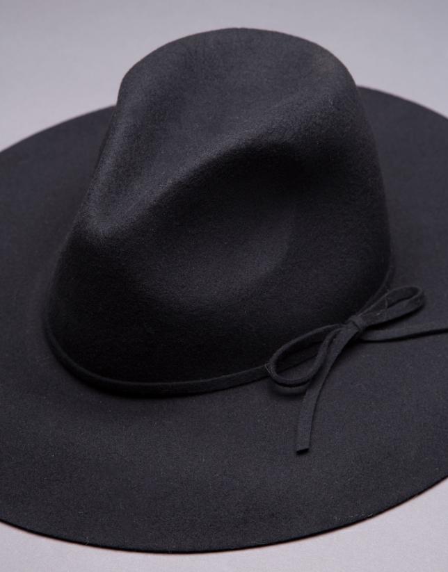 Sombrero en fieltro negro