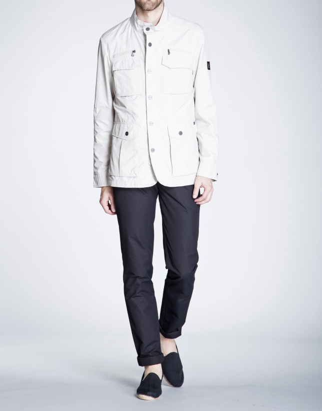 Frosted track jacket with four pockets.