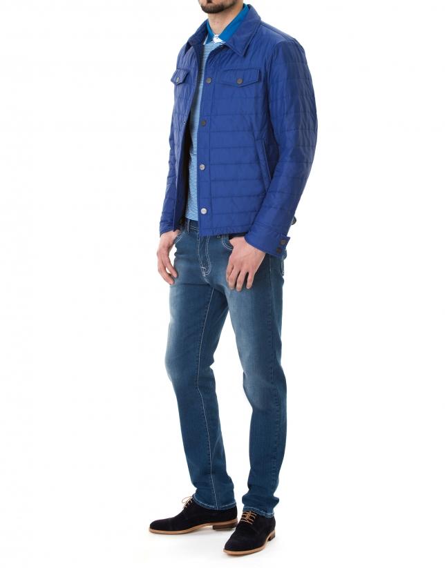 Deportiva cuello camisero azulón