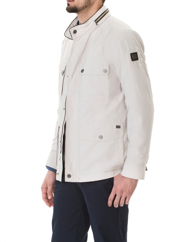 Stone windbreaker with four pockets